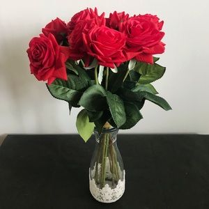 🌹 Silk Roses in a Glass Vase